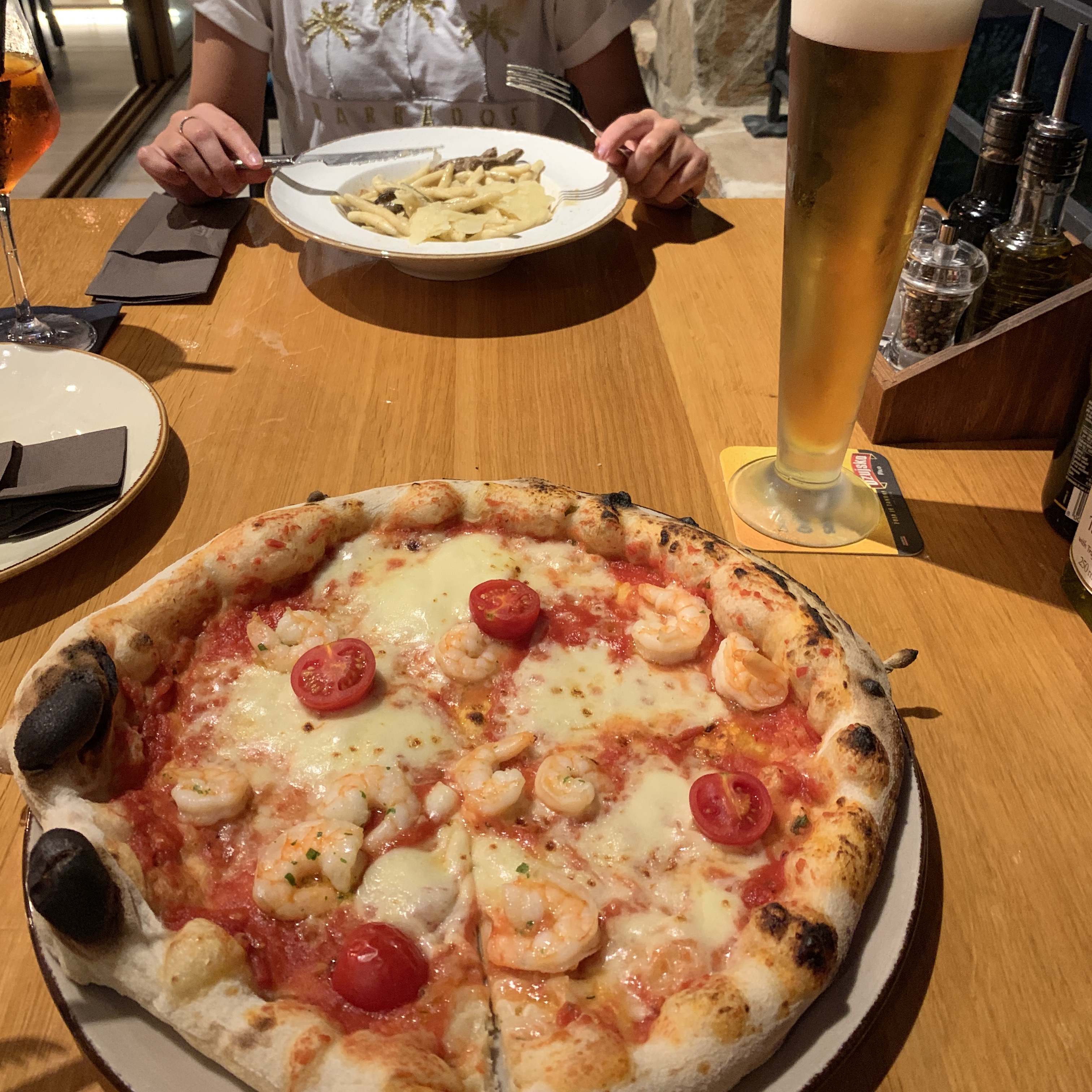 Juicy cheese and tomato pizza